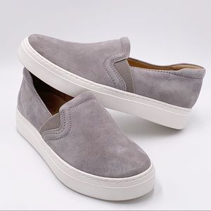 Naturalizer Carly 3 Gray Fog Suede Sz 7W NEW